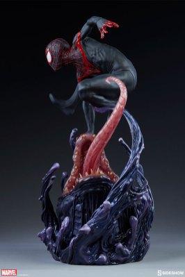 marvel-spider-man-miles-morales-premium-format-figure-sideshow-300554-08