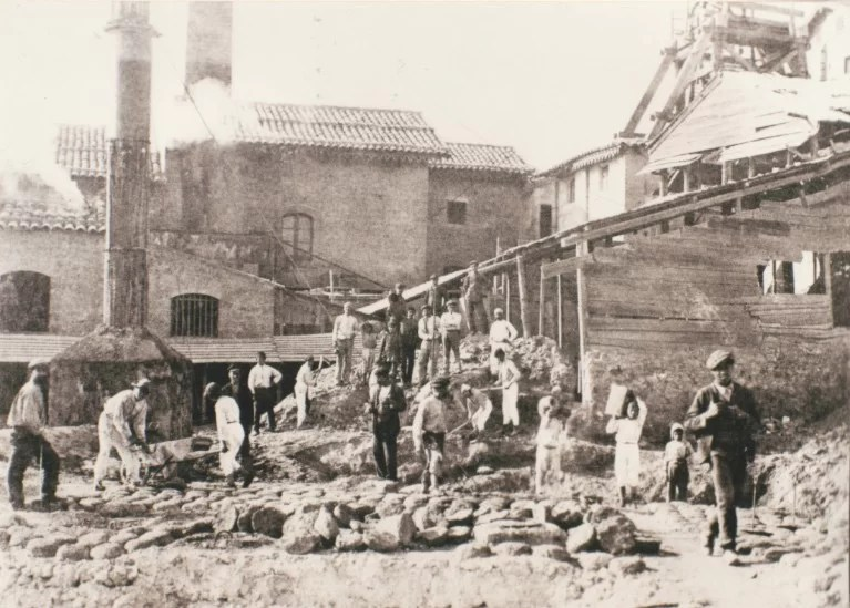 miners-creating-bricks