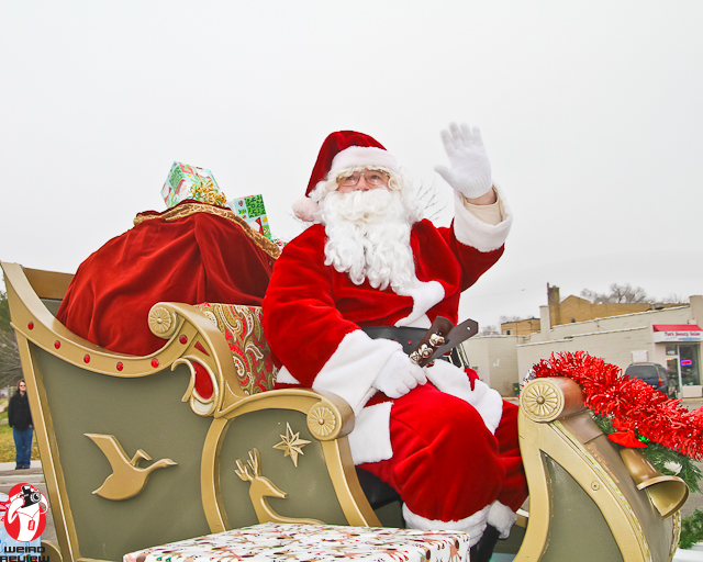 Santa and his sleigh arrive at the Branns on South Division