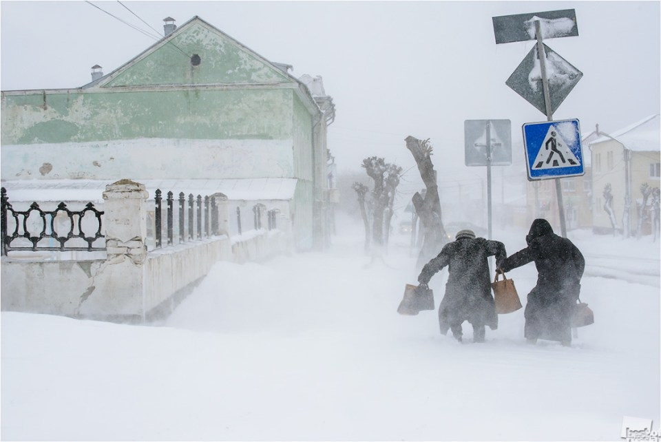 Abnormal snowfalls in late April. The City Of Shadrinsk. Photo by  Edward Kutyghin