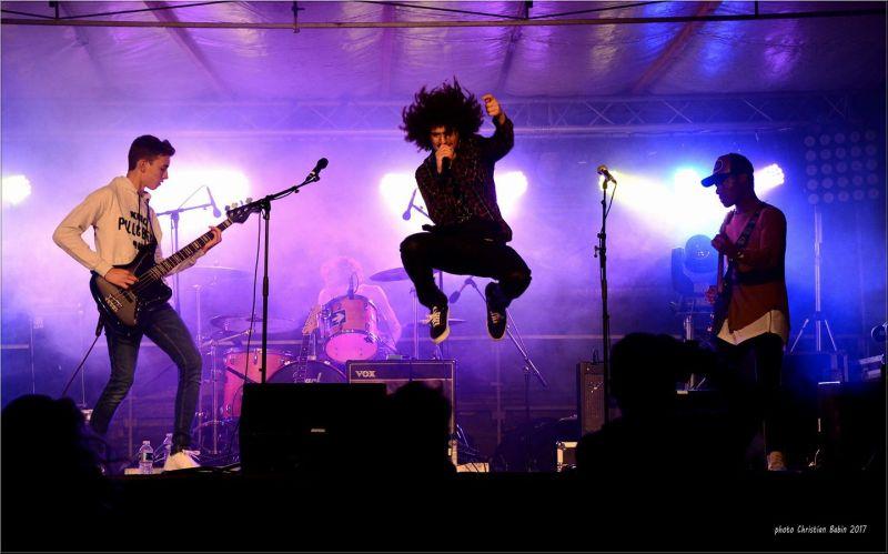 Pineapple en concert à Barbezieux photographié par Christian Babin