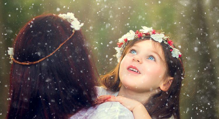 Vielleicht ist Glück auch einfach nur, sich vorzustellen man sei ein Kind bei Schnee. - Esragül Schönast
