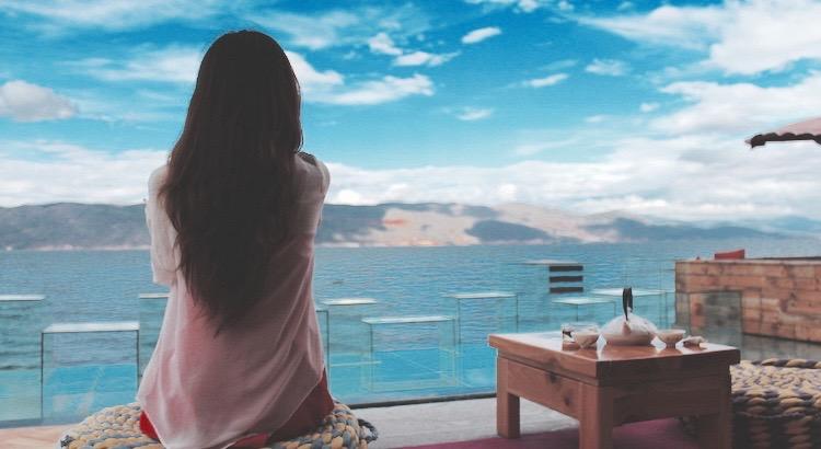 Du kannst dir nicht immer aussuchen was im Leben passiert, aber du kannst dir aussuchen, wie du damit umgehst. Lass dir deine Gegenwart nicht von der Vergangenheit bestimmen, aber lass die Vergangenheit ein guter Ratgeber für die Zukunft sein. - Unbekannt