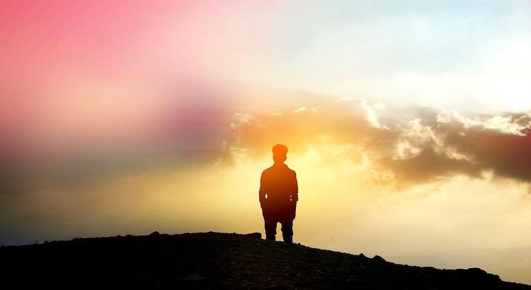 Ein Traum ist unerläßlich, wenn man die Zukunft gestalten will. - Victor Hugo