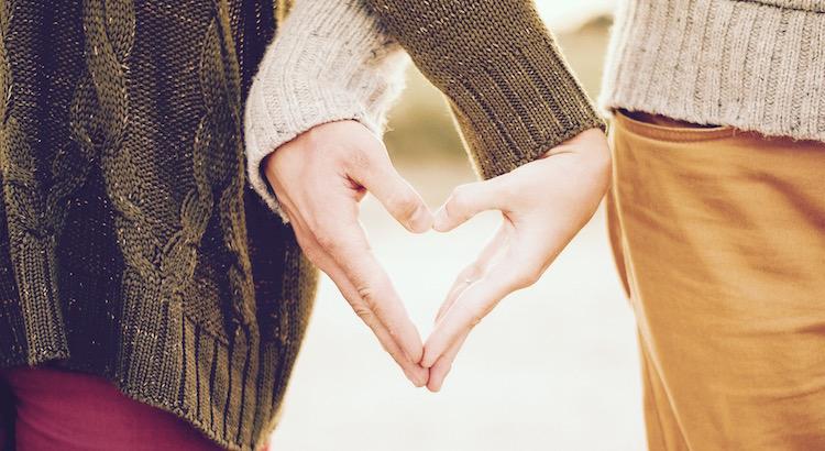 Das Wesen wahrer Liebe läßt sich immer wieder mit der Kindheit vergleichen: Beide haben die Unüberlegtheit, die Unvorsichtigkeit, die Ausgelassenheit, das Lachen und das Weinen gemeinsam. - Honoré de Balzac