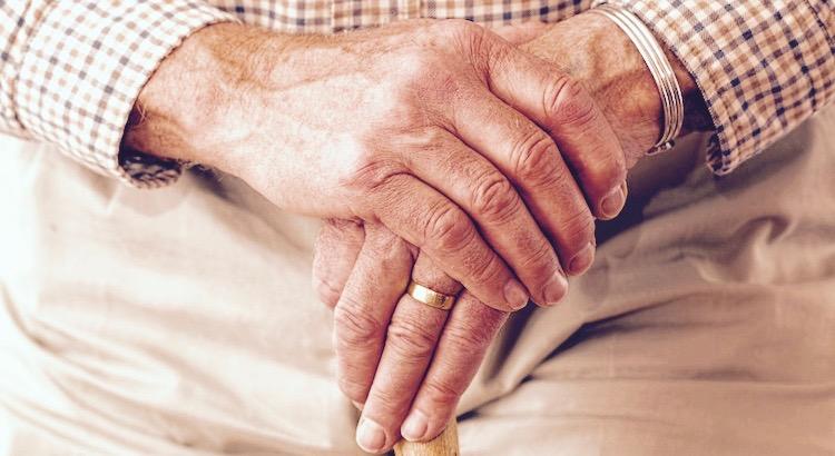 """""""Der alte Großvater und sein Enkel"""" – Eine herzergreifende Geschichte- Zeilen, die sehr viel lehren und das Herz berühren."""
