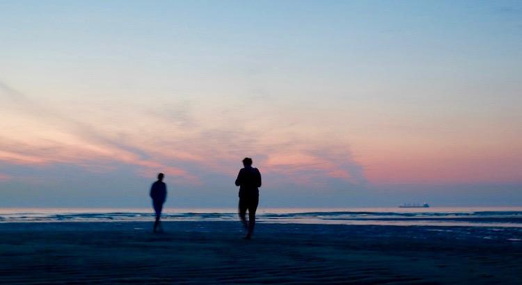 Wer die anderen neben sich klein macht, ist nie groß. - Johann Gottfried Seume