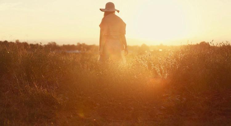 Warte auf niemanden. Wenn jemand deine Anwesenheit nicht als seinen Gewinn ansieht, so sehe seine Abwesenheit auch nicht als deinen Verlust an. - Sayid Corleone