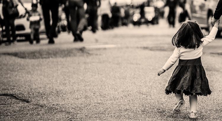 kinder erziehung zivilcourage eltern liebe böse schimpfen gewalt kind einsetzen helfen sein zitate zum nachdenken zitat sprüche weisheiten spruch liebe