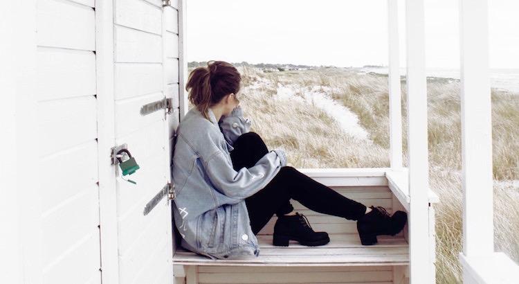 Wenn du deinem Leben mehr Sinn geben willst, dann halte weniger an Vergangenem fest und freu dich mehrauf das Kommende. - Esragül Schönast