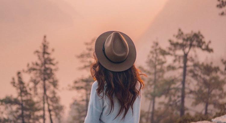 Sei wer du bist und sag, was du fühlst. Denn die, die das stört, zählen nicht und die, die zählen, stört es nicht. - Theodor Seuss Geisel