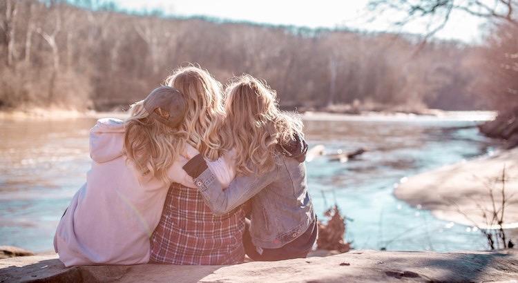 Nichts bringt so viel Freude ins Leben wie die Herzlichkeit und Wärme der Freundschaft. - Phil Bosmans