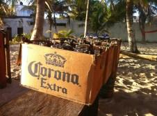 im Poc Na ist jeden Abend Beachparty, hier die Überbleibsel