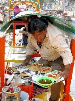 ein kleines Highlight war das Essen, dass auf einem kleinen Boot frisch zubereitet wurde