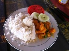 Reis, Salat und Krabben (Bild von futternerd.de)