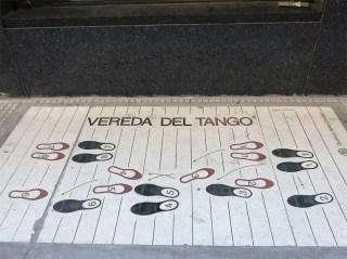 Ein bisschen Tango für euch.