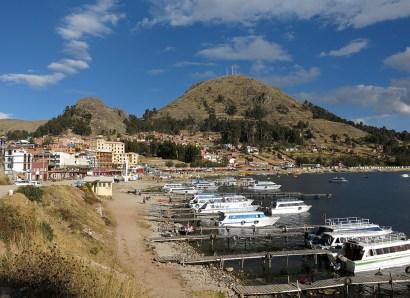 Blick auf den Hafen Copacapana