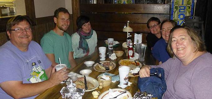 Unser erstes Treffen mit Jim, Penny, Vicki und Debbie (v.l)