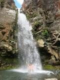 Massage unter den Taranaki Falls