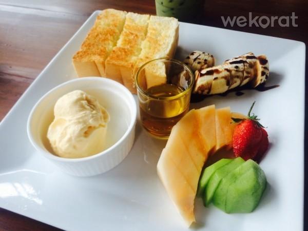 Honey toast - Fika cafe