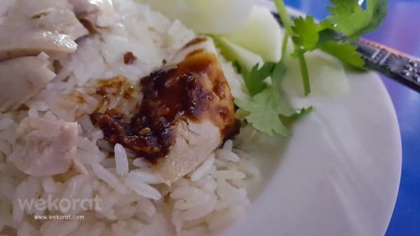 เนื้อไก่กับน้ำจิ้ม ดูสิ!