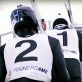 Словенские лыжники совершили парный прыжок с трамплина