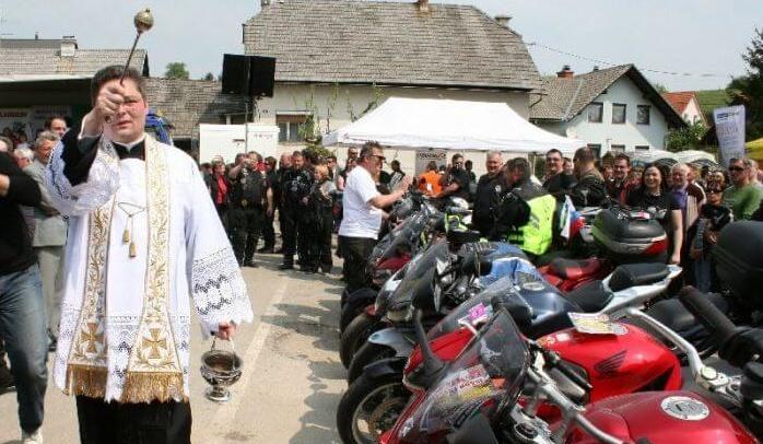 На Пасху в Словении благословили 5000 мотоциклистов