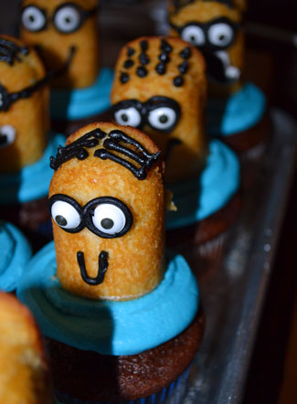 Minion-Cupcakes-6