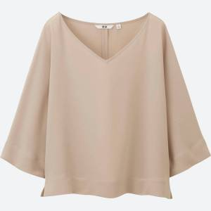 Uniqlo 2017 drape collection 3/4 sleeve blouse with a V-neck.