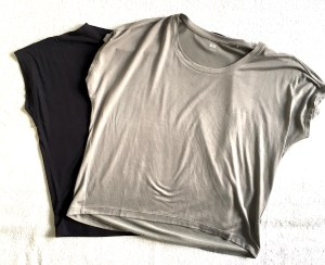 Uniqlo crewneck drape neck tees in gray and black.
