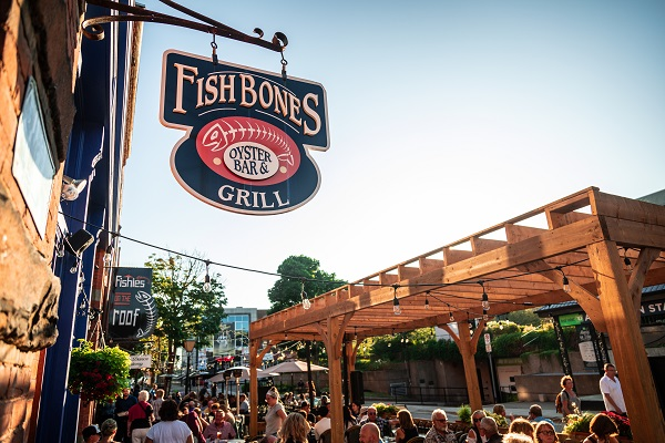 Fishbones Oyster Bar & Grill