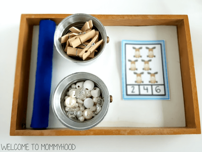 Arctic animal number activities by Welcome to Mommyhood #winteractivities, #preschoolactivities, #montessori, #montessoriactivities, #mathactivities,