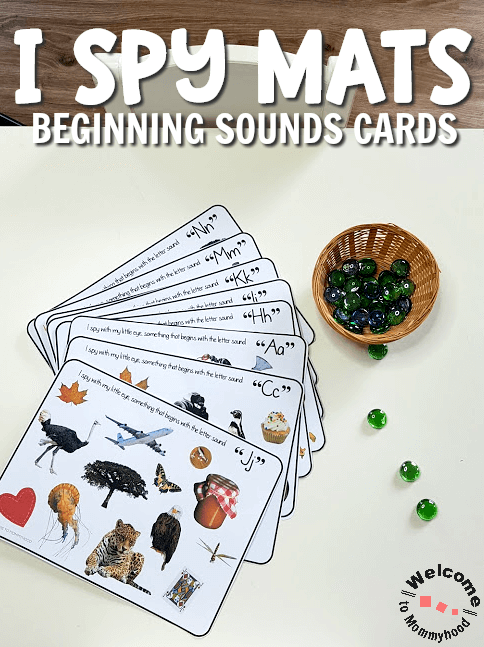 Play this fun beginning sound game using our phonics I spy mats to help beginning readers gain confidence and practice learning letter sounds. #montessori #phonics #kindergarten
