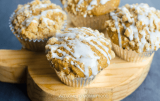 Pumpkin Streusel Muffins Recipe you can make with the kids for a perfect dessert! This recipe is so delicious and absolutely perfect for autumn!