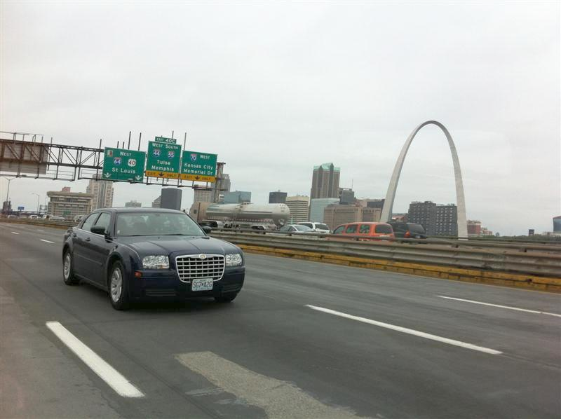 The city of St. Louis will surely want to use my photos of the famous arch for their promotional material. This was the best of the lot. I think you're supposed to stop to get decent pictures of famous landmarks & scenery.