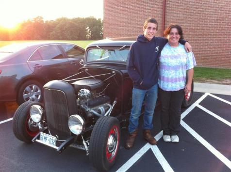 You meet the nicest people and driving a street rod sure opens the door for conversation. Brandon & his mother Edith from Arkansas were staying at our hotel in Greenfield Indiana. They were 'stuck' there for a week while the 18-wheeler Edith was driving was waiting to get unloaded. Brandon loved the coupe and Paul & Dorothy loved his enthusiasm. Edith, you have raised a polite and gentlemanly son.