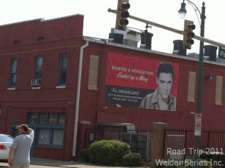 Didn't get to Graceland so took this picture.
