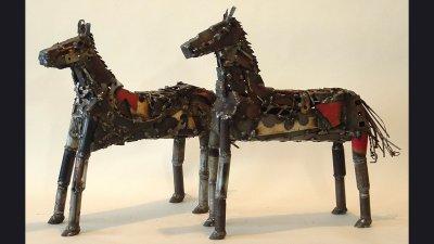 scul-2horses2