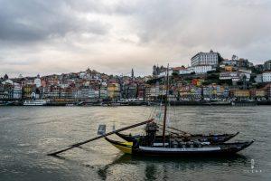 River side view in Porto
