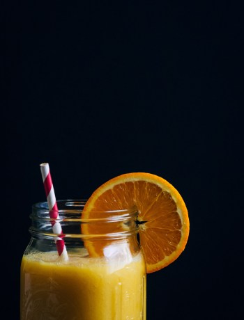 Pineapple Sunshine Smoothie | Well and Full | #vegan #smoothie