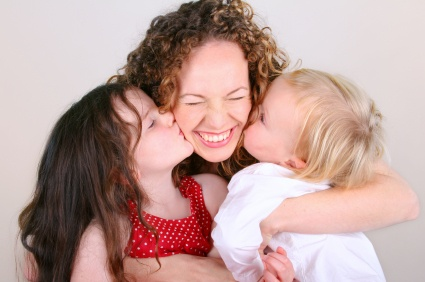 https://i2.wp.com/wellandgood.com/wp-content/uploads/2012/01/mom-hugging-kids.jpeg