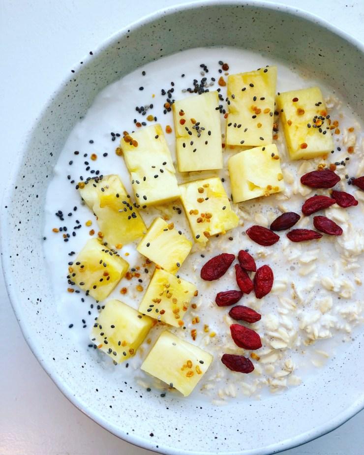 pineapple coconut overnight oats