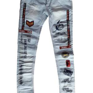 new demage jeans