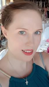 Wellensittiche Blog Fünf Mandeln für Wencke oder wie ich in vier Wochen zu einer Bikinifrisur kam