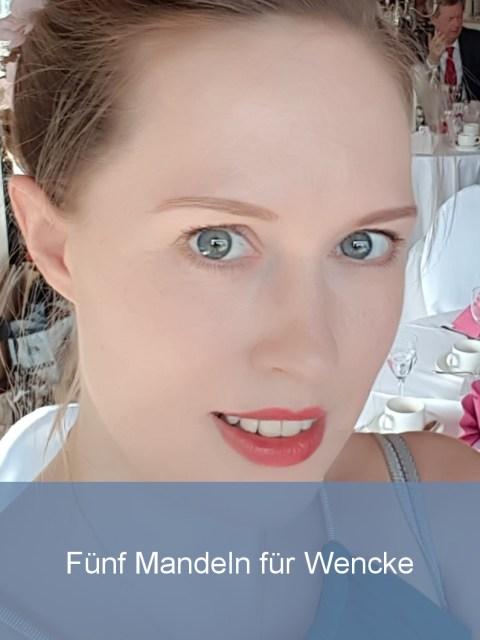 Wellensittiche Blog Fünf Mandeln für Wencke