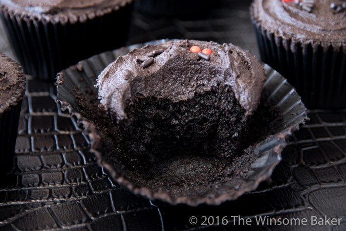 dead-of-night-cupcakes-9