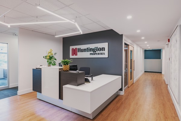 Huntington Properties Front Desk 768x512