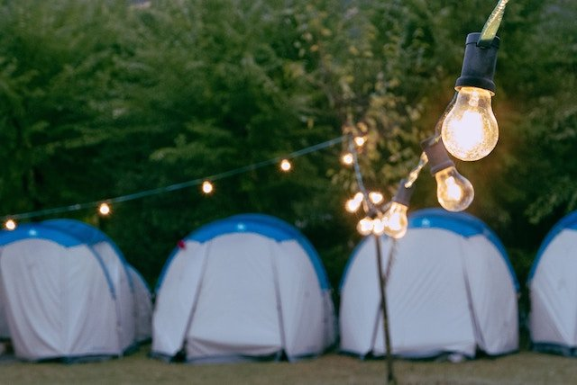 5 Accessories for Your First Glamping Holiday