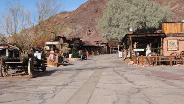 A tour to the Ghost Town