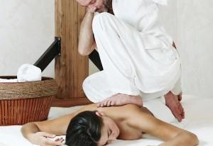 massaggio in centro olistico